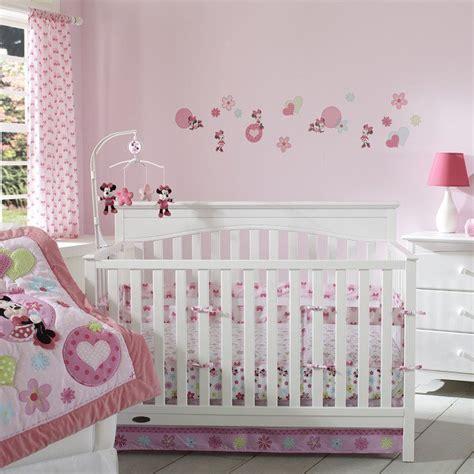 deco de chambre bebe fille déco chambre de bebe fille exemples d 39 aménagements