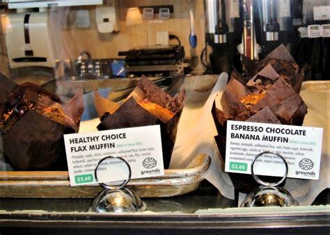 כדי לעזור לך להתמצא ברחבי ונקובר, הנה שם העסק וכתובתו בשפה המקומית. Grounds For Coffee Inc Vancouver Business Story
