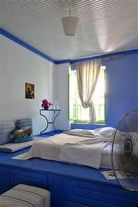 Comment Disposer Les Couleurs Dans Une Pièce : comment placer le lit dans une chambre c t maison ~ Preciouscoupons.com Idées de Décoration