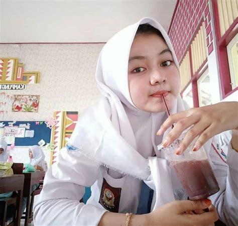 pin oleh soleh udin  sma sekolah wanita jilbab cantik