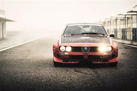 Alfa Romeo Alfetta 2000gt 1974 Vintage Retro Car Poster