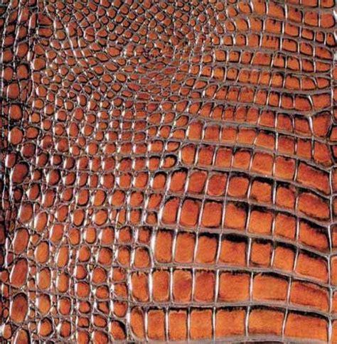 kitchen and bathroom tile designs that imitate animal skin