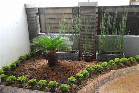 model desain taman minimalis depan rumah modern