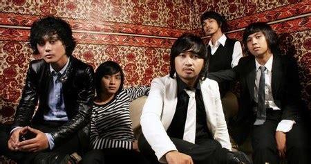 Menunggu bintang d terang bm a. Hello Band- Diantara Bintang Guitar Chord ~ Hok ALoh! Guitar Chords