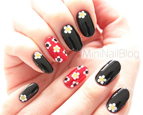 Retro Nail Art Design