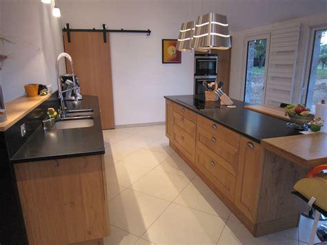 cuisine chene moderne cuisine en chene massif avant relookage cuisines bois