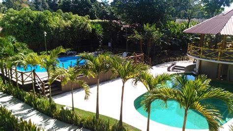 Hotel Y Bungalows El Jardín, Retalhuleu  Hoteles Cerca De