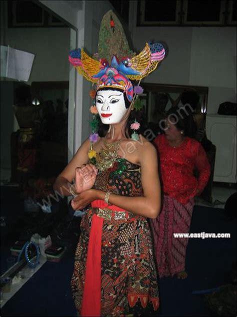 wayang topeng mask puppet famous art  java unique