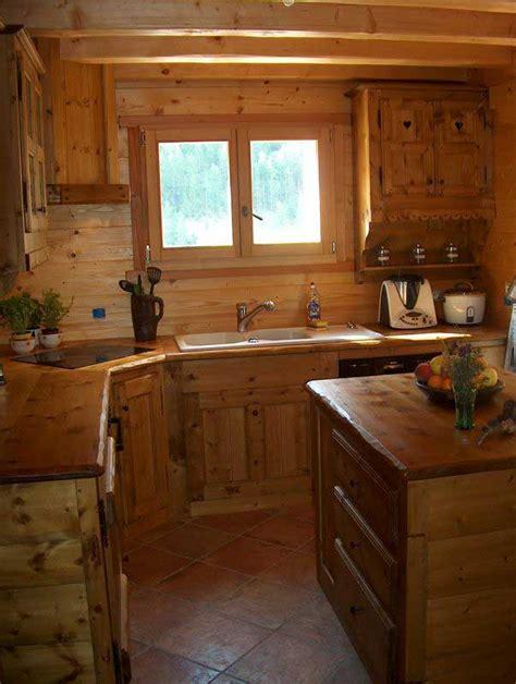 agencement cuisine en bois massif