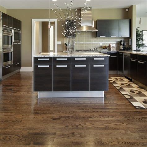You can start creating kitchen layouts in several different ways. 4 Kitchen Flooring Ideas to Inspire You - Eagle Creek Floors