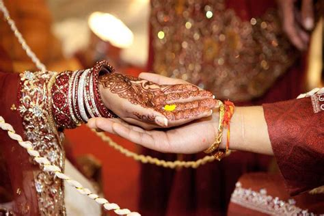 Indian Wedding : Emerging Trends In 2015 For Indian Wedding Invitations