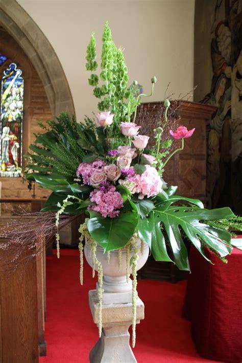 pedestals floral decorators instagram 1000 images about floral finishes on floral