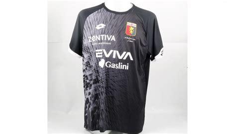 Maglia speciale indossata da Perin in Genoa-Sampdoria ...