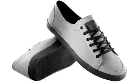 sepatu sepatu keren terbaru