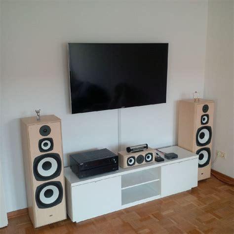 Tv An Der Wand fernseher an die wand montieren welche h 246 he ist sinnvoll