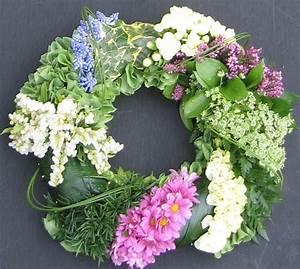 Funeral Wreaths | Hertfordshire Funeral Florist
