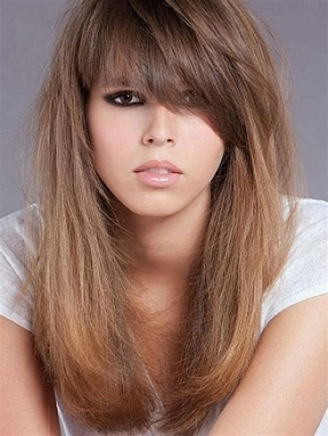 MEDIUM HAIRCUTS WITH BANGS: How Do You Want To Look In