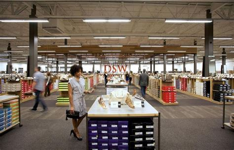 nordstrom rack boca raton dsw opens at marketplace at the outlets sun sentinel