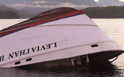 Large wave overturned whale-watching boat off B.C. coast ...