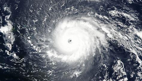 ouragan irma les  vues de lespace temoignent de