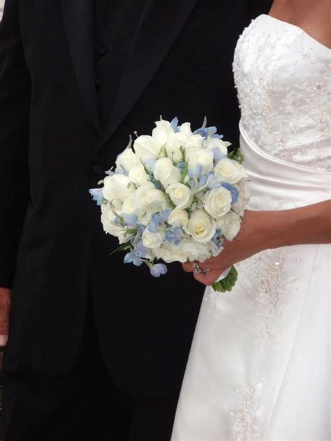 wedding flowers florist smelly