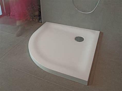 piatto doccia corian piatto doccia angolare in corian 174 classic by design