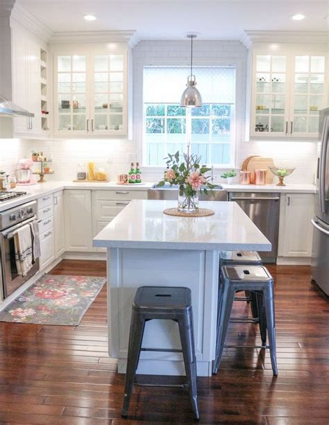 small white kitchen island best 25 small kitchen islands ideas on small