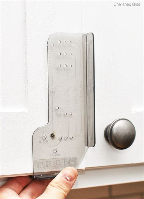 How To Install Cabinet Pulls by Best 25 Cabinet Hardware Ideas On Kitchen