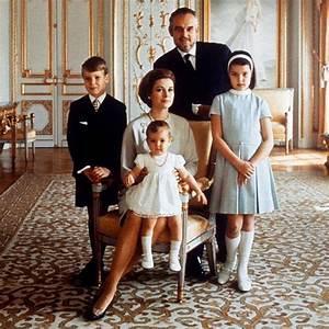 Grace Kelly Beerdigung : 17 best images about princess grace family on pinterest monaco andrea casiraghi and grace kelly ~ Eleganceandgraceweddings.com Haus und Dekorationen