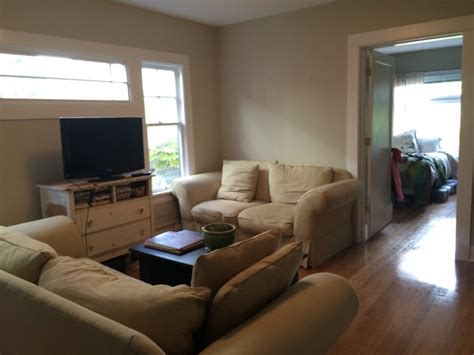 charming two bedroom apt in rentals seattle