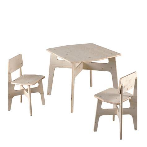 chaise pour table en bois salon de jardin enfant en bois krok 1 table 2 chaises