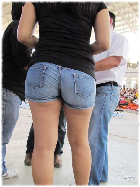 Big Ass In Shorts Jeans
