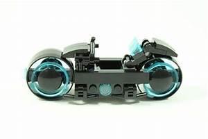 Tron Legacy Light Cycle LEGO Set | Gadgetsin