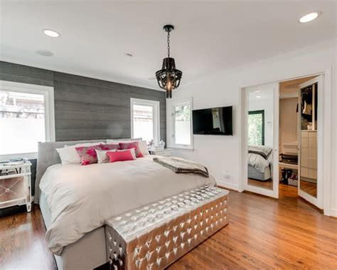 Decorating A Silver Bedroom