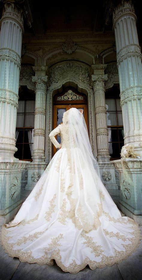 neckline strapless  backless white turkish bridals