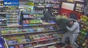 Wandworth armed robber flees newsagents empty handed and ...