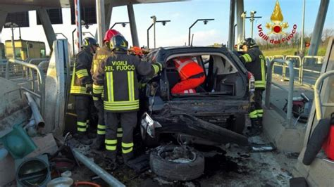 ufficio circondariale marittimo porto santo stefano muore in un incidente il comandante dell ufficio