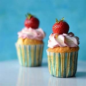 Cupcakes Mit Füllung : erdbeer cupcakes mit erdbeercurd f llung rezept mit bild von s k che ~ Eleganceandgraceweddings.com Haus und Dekorationen