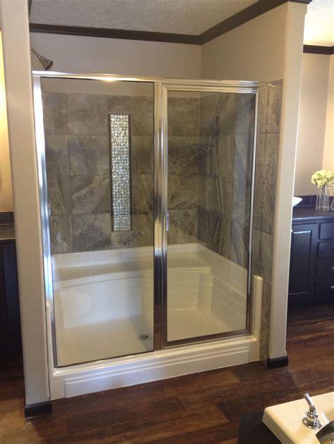lola     seat shower pan baymont bathware