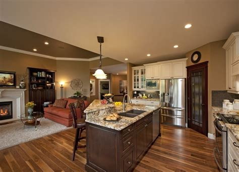 Decorating Ideas For Family Room Kitchen Combination by 27 Best Images About Kitchen Family Room Combo On