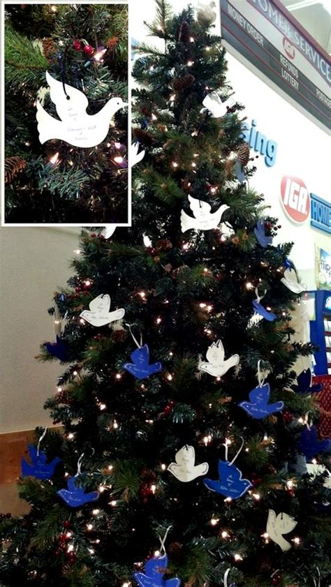 light up a life christmas tree to support memorial