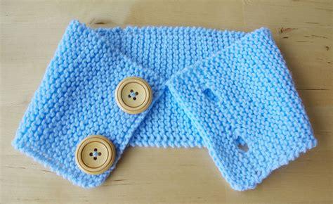 kissen stricken mit knöpfen baby loop schal babyloop stricken mit kn 246 pfen anleitung kostenlos 1 stricken