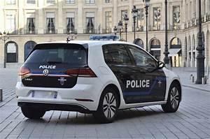 Location Voiture Electrique Paris : volkswagen passat gte paris la police roulera aussi en hybride ~ Medecine-chirurgie-esthetiques.com Avis de Voitures