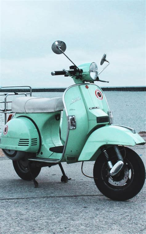 Vespa S 4k Wallpapers by Vintage Scooter Free 4k Ultra Hd Mobile