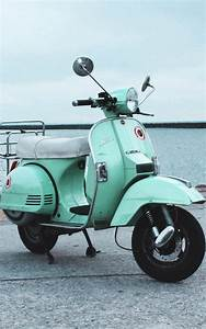 Download Vintage Scooter Free Pure 4K Ultra HD Mobile