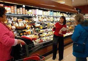 Guided nutrition tour at grocery store | Boothbay Register
