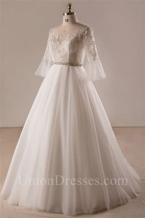 ball gown  neck frill sleeve tulle lace  size wedding