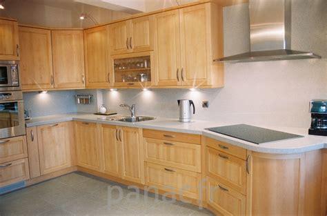 peindre des meubles de cuisine meuble de cuisine brut a peindre maison design bahbe com