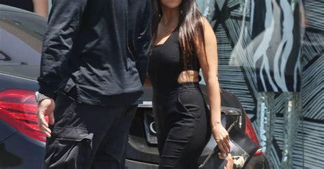 Kourtney Kardashian - Les soeurs Kardashian se rendent ...