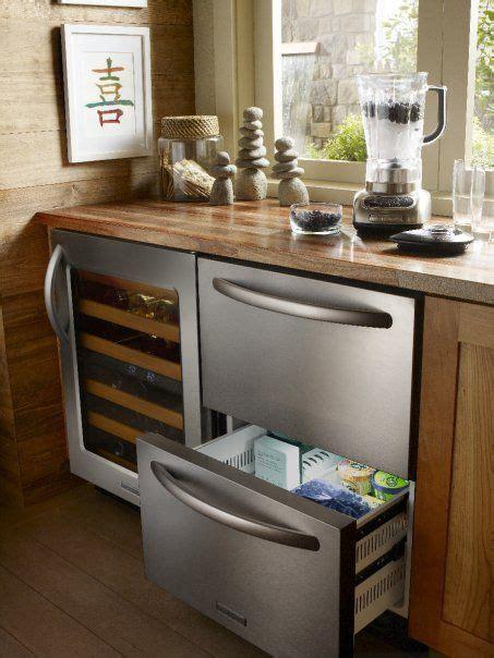 pull  mini refrigerator    wine cooler